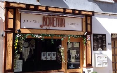 Enseigne bois - Bohémia Bar à Aime